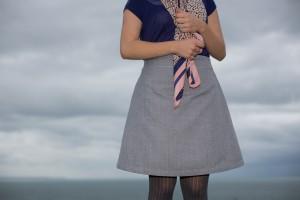 Maison et travaux n°1 – Petite jupe grise de Tilly and the buttons